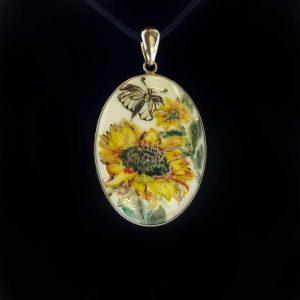 Pandant portelan fluture si floarea-soarelui
